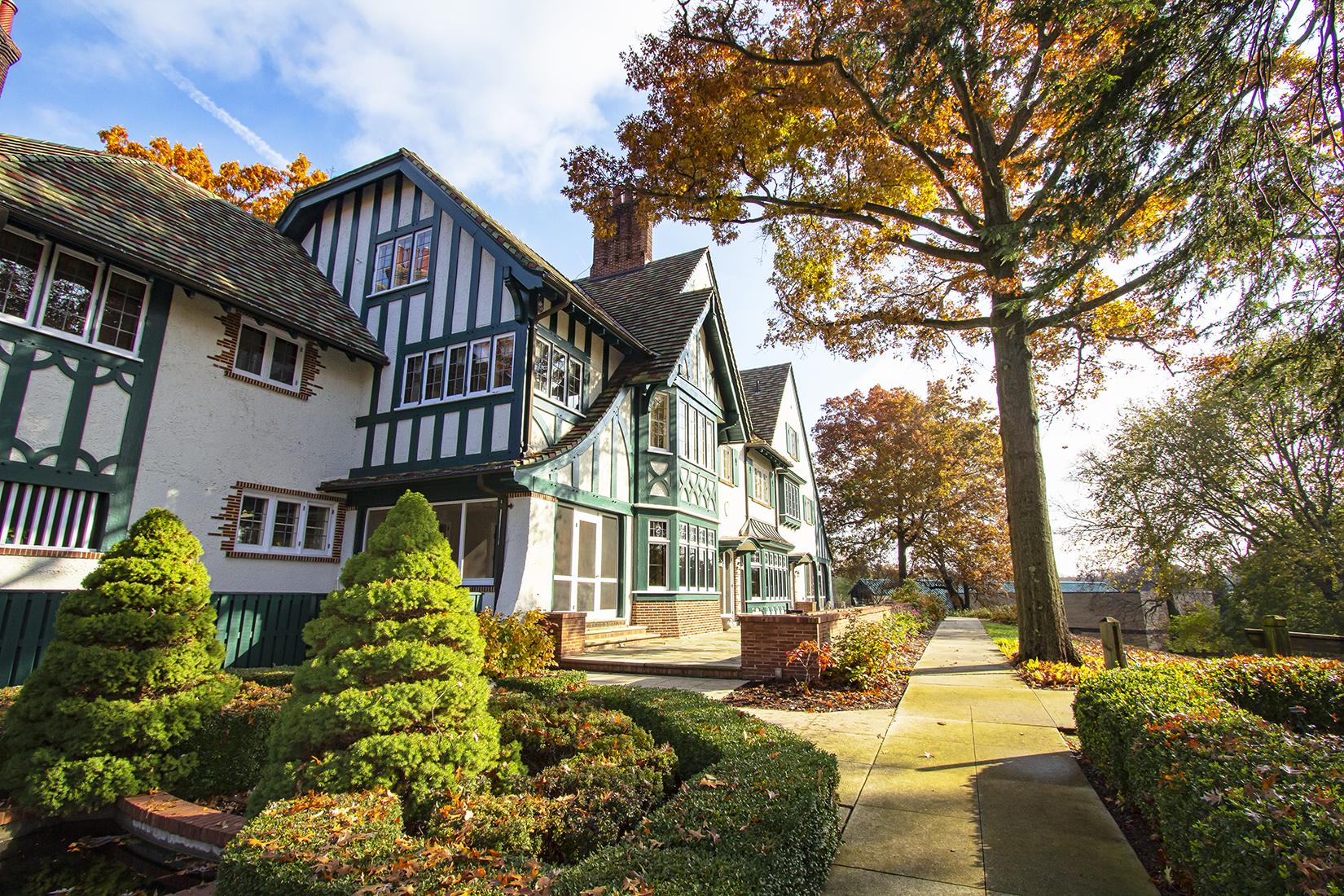 Manor Autumn4 copy