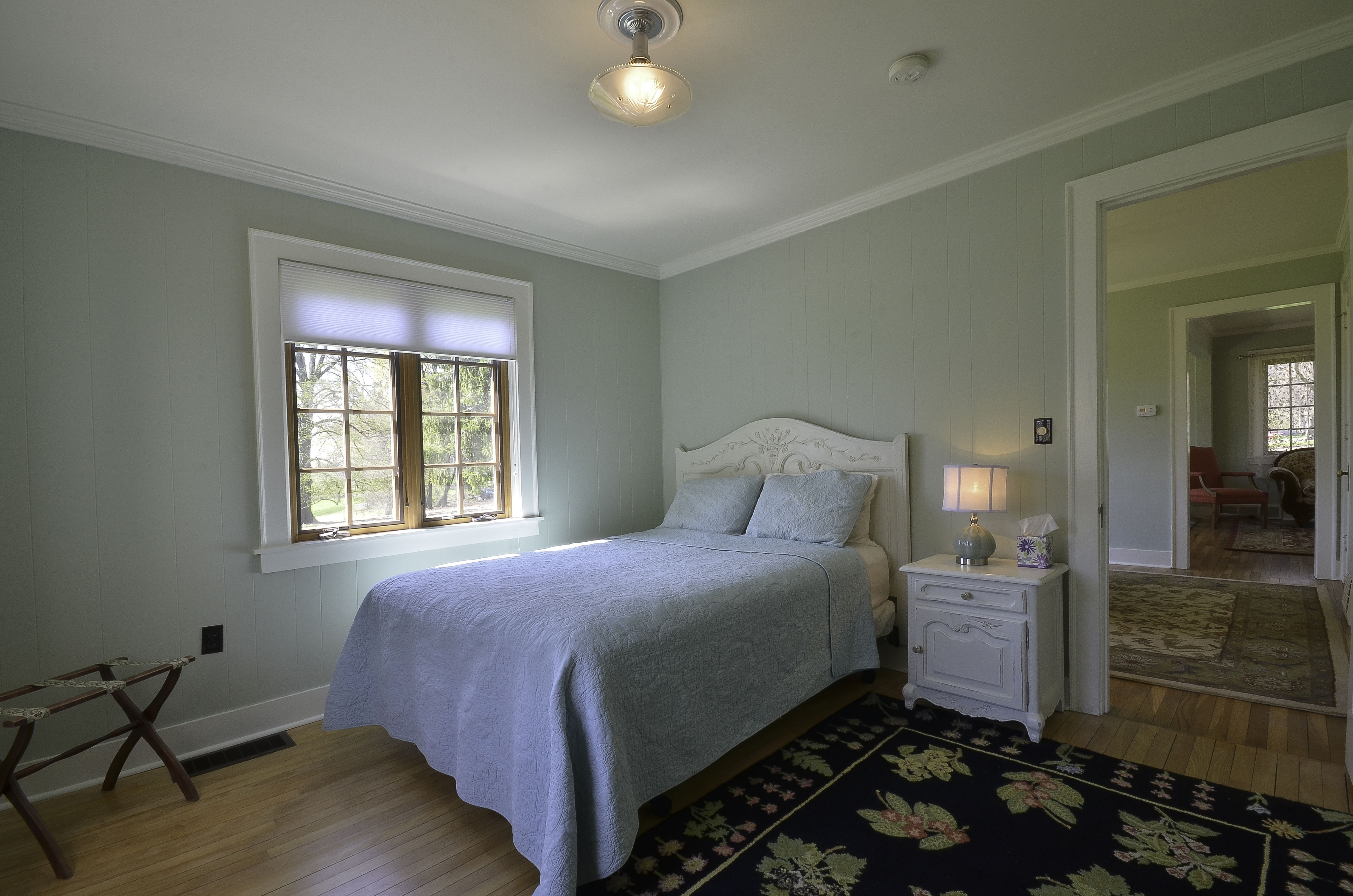 Lakeside Cottage Lower leverl bedroom