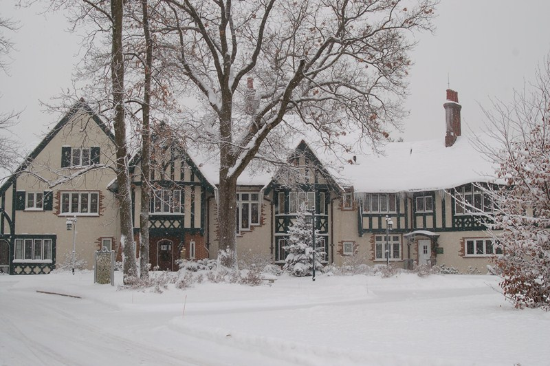 W.K. Kellogg Manor House outside winter
