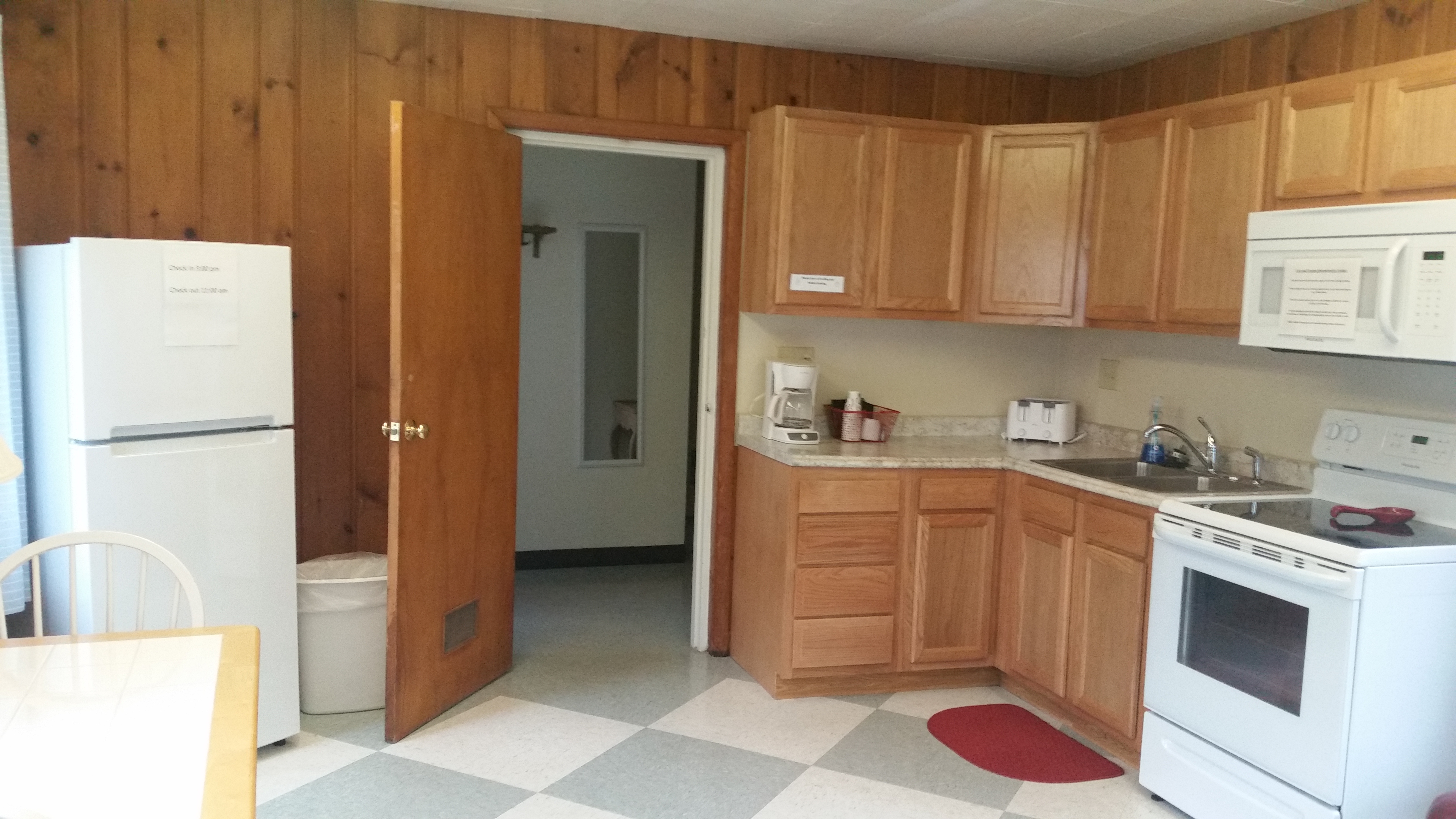 Cabin A – Kitchen 2